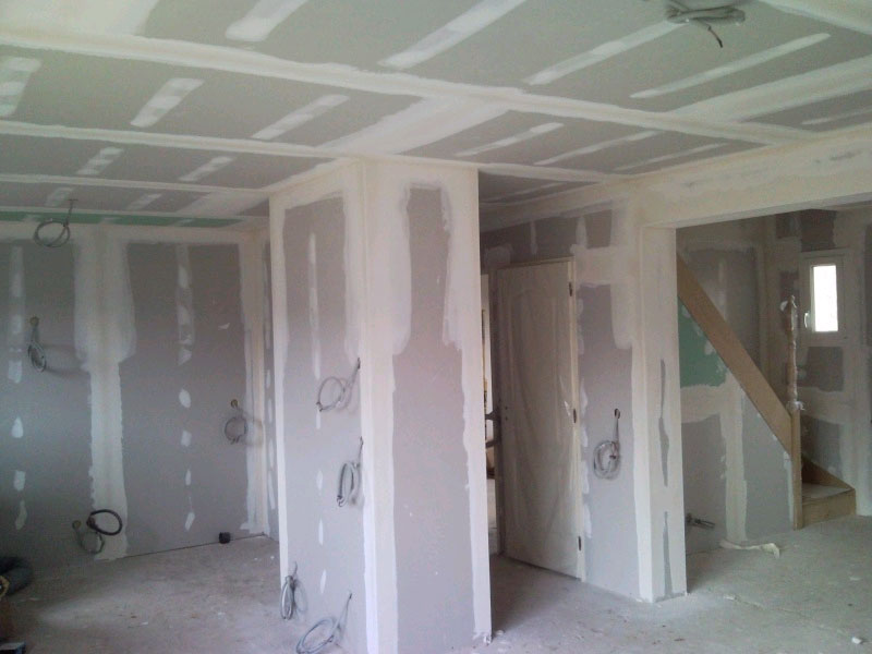 Platrerie isolation indre bati brenne for Plafond placoplatre ba13